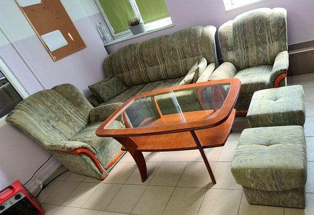 Zestaw wypoczynkowy 1 kanapa 2 fotele 2 pufy 1 stół 4 poduszki LUBLIN