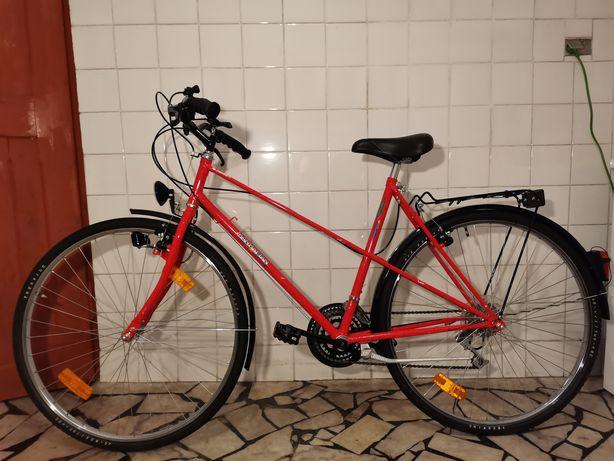 """Rower miejski klasyczny Manhattan 28"""" Shimano Altus 18 biegów"""
