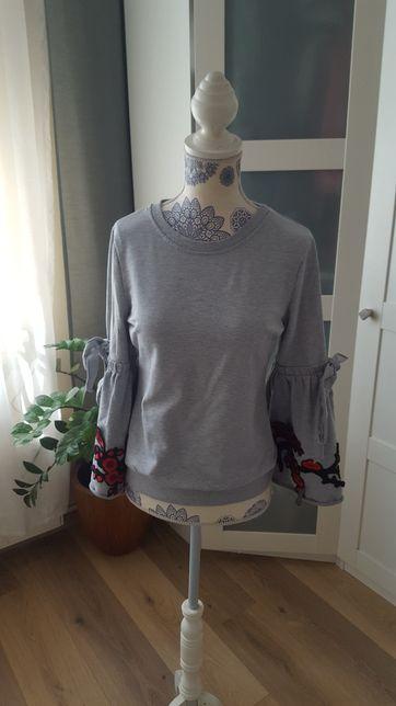 Bluza z szerokimi rękawami