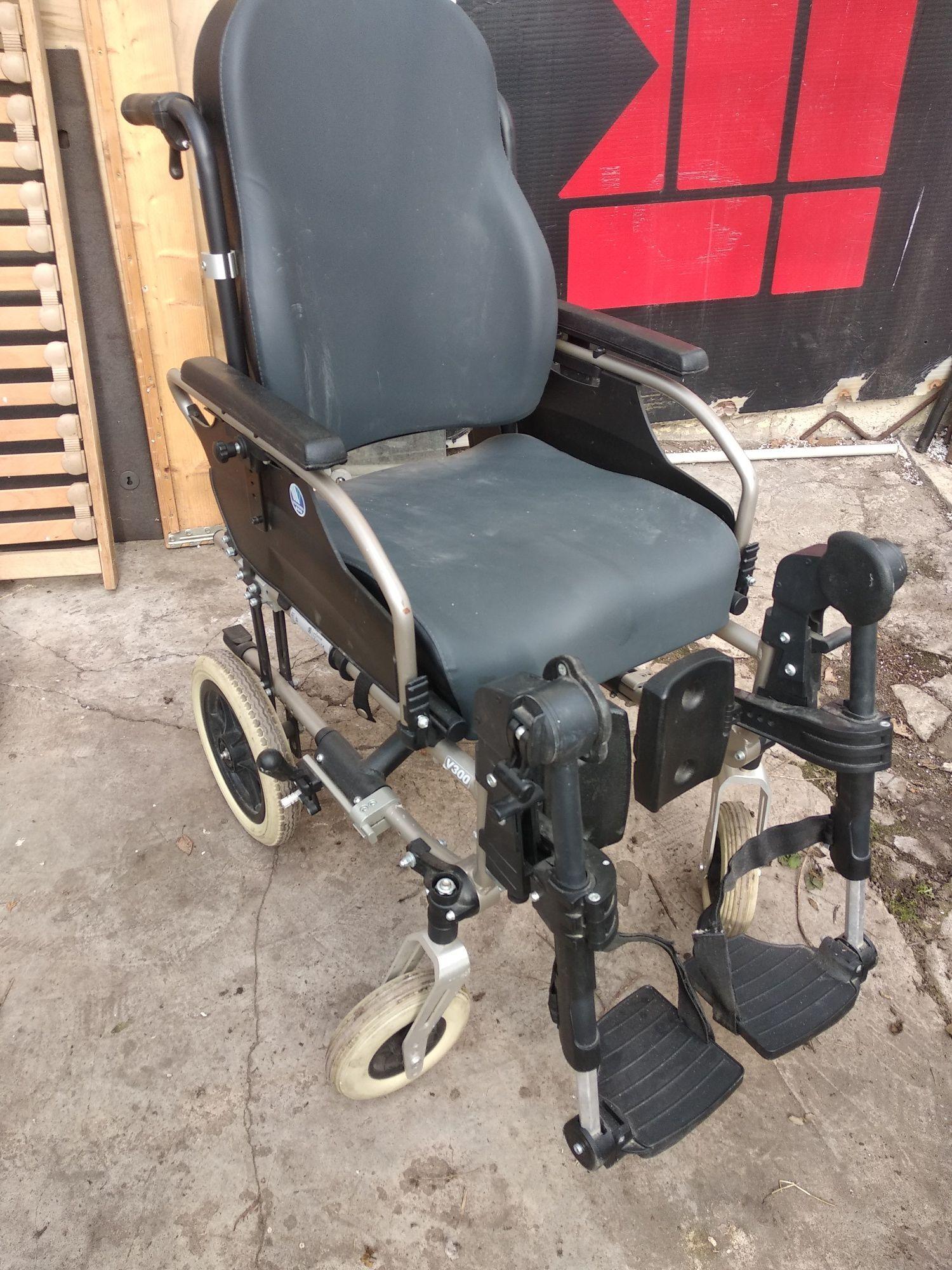 Wózek inwalidzki na małych kołach