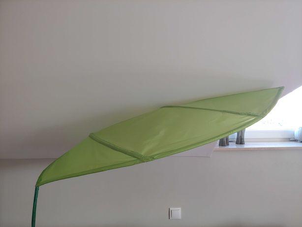 Baldachim IKEA mocowany do ściany