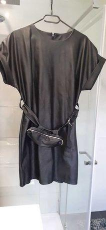 Wysokogatunkowa sukienka eko skóra z paskiem i saszetką/nerką