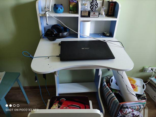 Продам парту , стол , для школьника