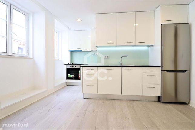 Apartamento com 3 quartos totalmente equipado e remodelado no centro d