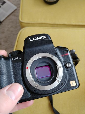 Panasonic dmc-gh2 + 20mm