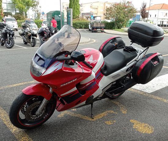 Honda modelo cbr 1000f
