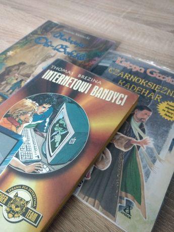 Zestaw trzech książek
