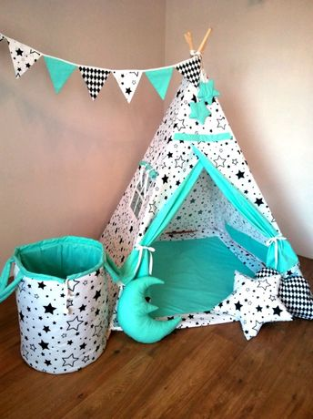 """Tipi. Namiot dla dzieci """"Planeta Gwiazd""""."""