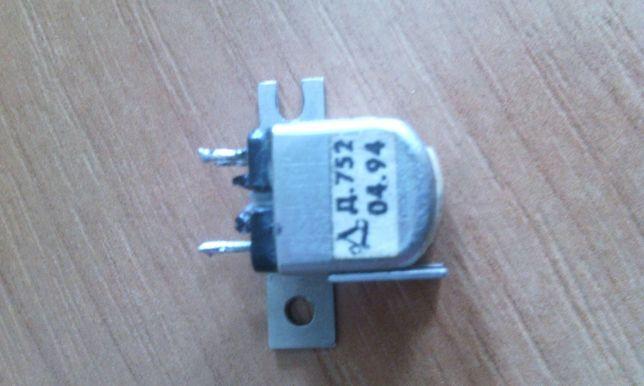 стеклоферитовая головка к кассетному магнитофону