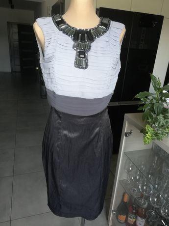 R. 38 vanilla sukienka ze zdobieniami na dekolcie