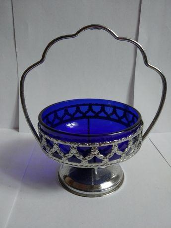 Niebieska cukiernica cukierniczka naczynie