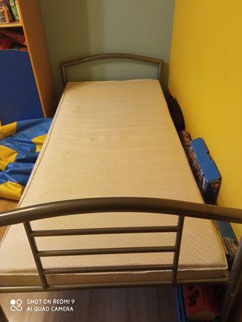 Łóżko metalowe szare