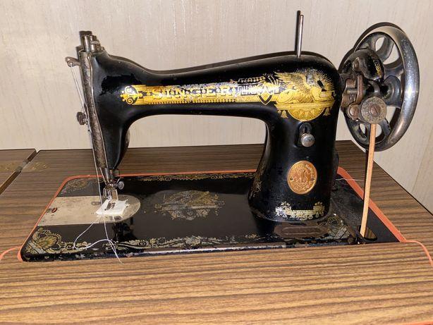 Maquina costura com movel original a funcionar