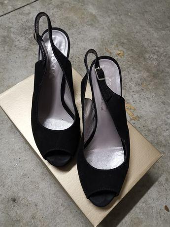 Sapato aberto camurça preto