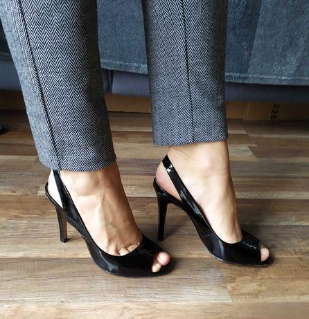 Kazar - kobiece sandałki, całe ze skóry, rozm. 36, stan bdb