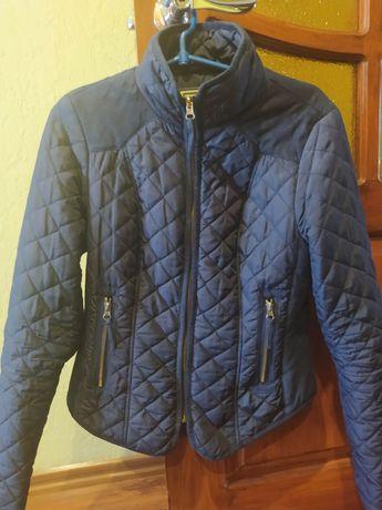 Куртка легенька на весну