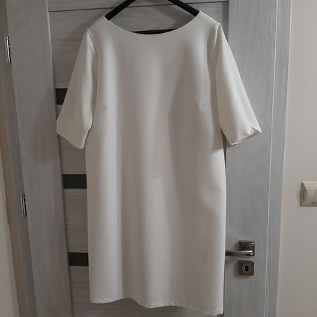 Kremowa sukienka rozmiar 44