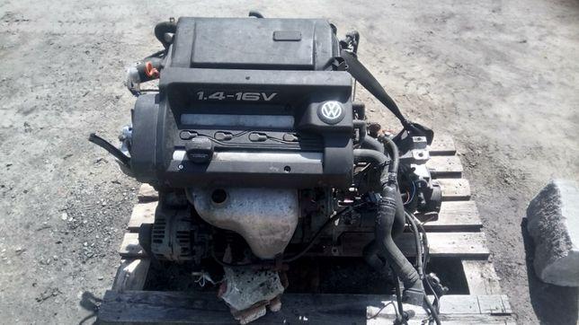 Двигун Мотор Golf4 1,4 16V AKQ