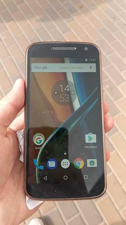 Motorola Moto G4 (XT1622) 2/16Gb (наушники,чехол,зарядка)