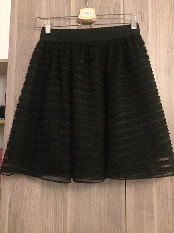 Czarna rozkloszowana spódnica z tiulowymi wstawkami 36