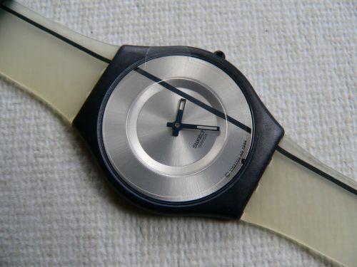 Relógio Swatck Skin URGENTE