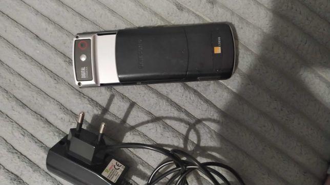 Telefon samsung c3050 z ladowarka