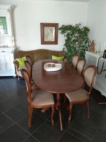 Owalny stół rozkladany
