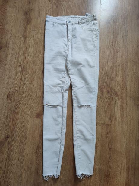Spodnie Zara skiny, z dziurkami białe