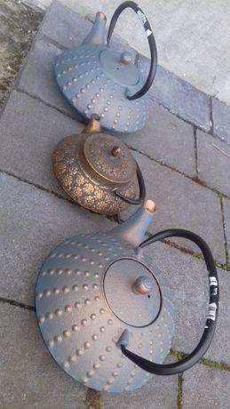 Trzy czajniczki żeliwne