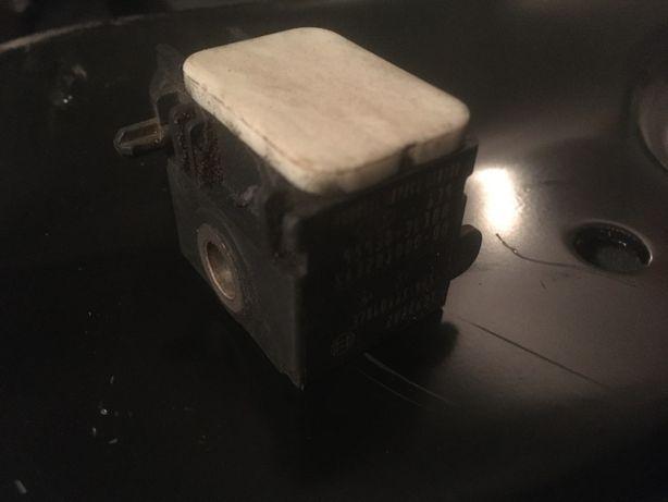 Датчик удара Hyundai Santa Fe 2 2.2 усилитель бампера вентилятор