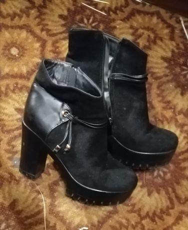Женские ботиночки 38 размера