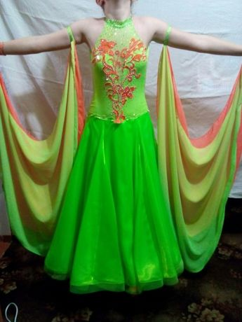 Бальное платье st.