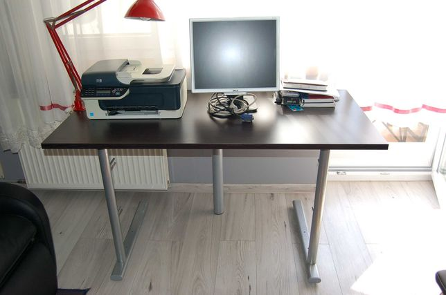 Sprzedam monitor, drukarkę i lampę na biurko.