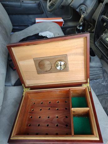 Caixa de charutos em madeira