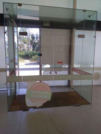 Antecâmara em vidro temperado