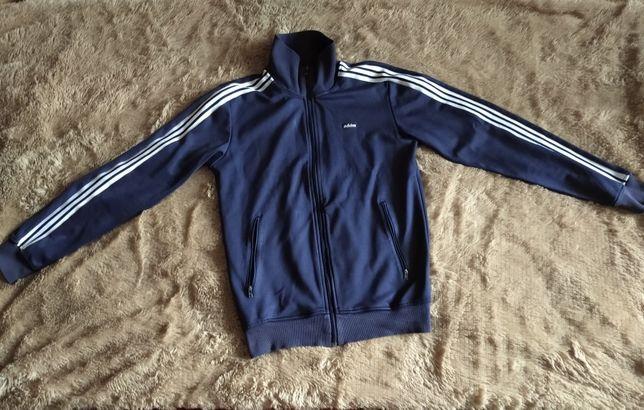 Продам Adidas original олимпийка размер S.