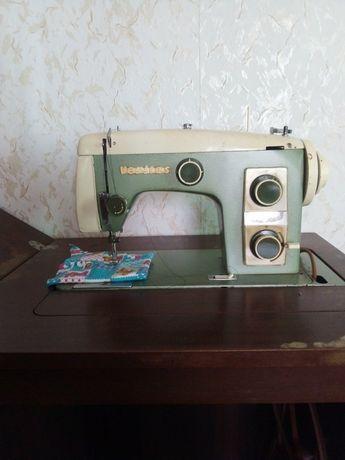 Продам швейную машинку СССР Veritas