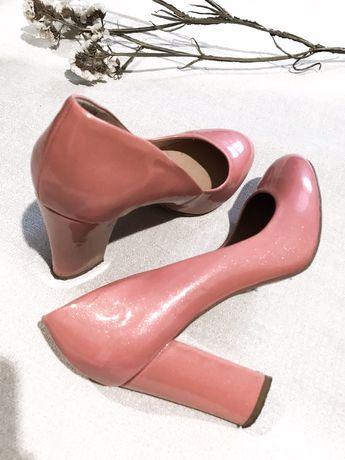 Туфли розовые лаковые перламутровые