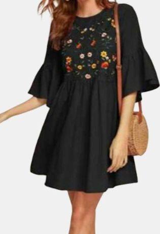 Ярусное платье в вышивку рукава воланы.Размер С,М.