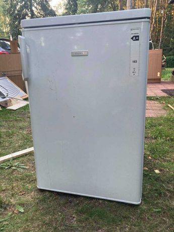Mała lodówka z zamrażarką electrolux