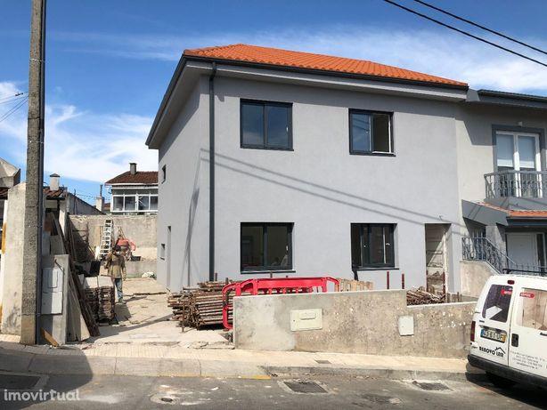 Andar Moradia T2 Renovado ao Calvário - Gondomar - 21.14/018 RC