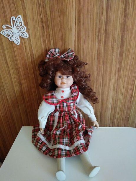 Porcelanowa lalka kolekcjonerska