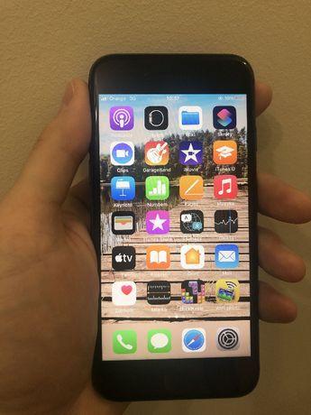 Sprzedam tanio iPhone 8 64 GB Space Gray + słuchawki bezprzewodowe