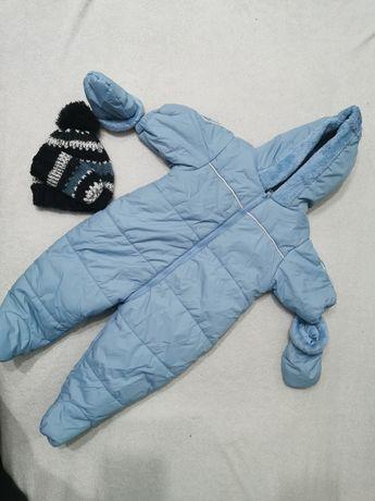Kombinezon zimowy z czapką i rękawiczkami rozmiar 0-6 miesięcy
