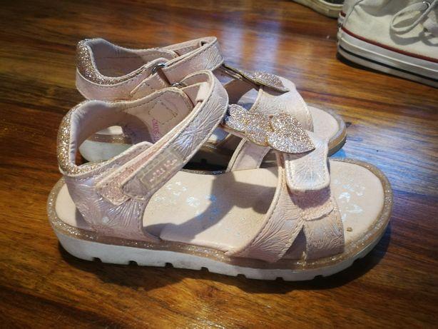 Sandałki skórzane 26