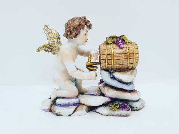 Antiga Escultura Capodimonte - Querubim com pipo e uvas. Séc XIX.