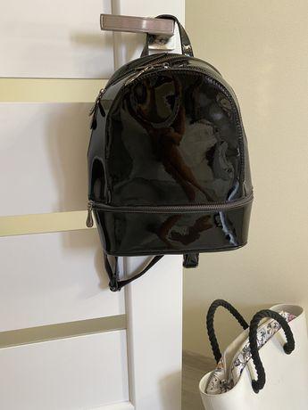 Рюкзак , натуральный лак кожа