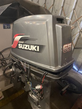 VENDO   Motor suzuki Barco 65cv 2 tempos p/ peças