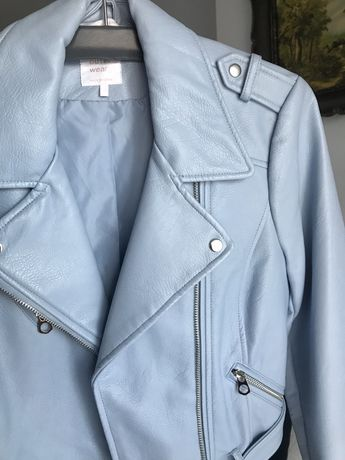 Błękitna skórzana kurtka z Zary