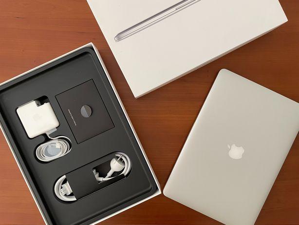 MacBook Pro 15'', processador 2.5GHz intel Core i7 quadcore